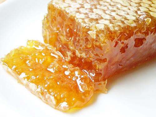 capaceala sau descapaceala cu miere de albina